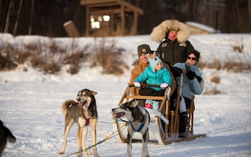 673d FSS and JBER Life offer dog sled rides to Hillberg Ski Area visitors
