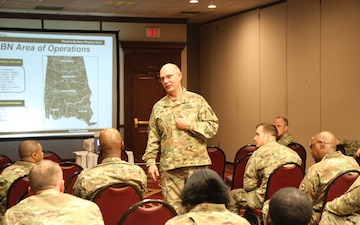 Maj. Gen. Lee shares tips with recruiters on attracting medical professionals to the Army Reserve
