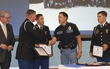 3-41 IN Soldiers Receive Chief's Award