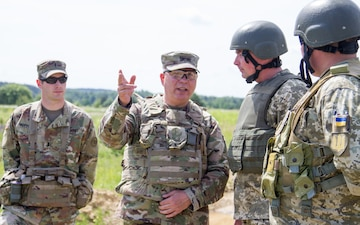 NY Army National Guard commander visits troops training Ukrainian Soldiers