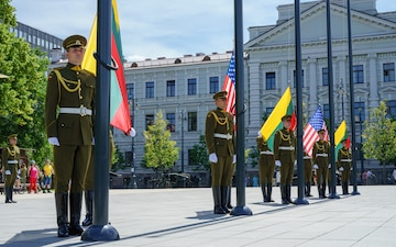 Lithuania, US put on a display in Vilnius