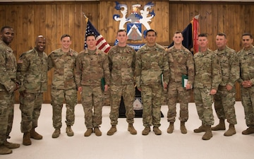 1BCT Soldiers receive awards for valor