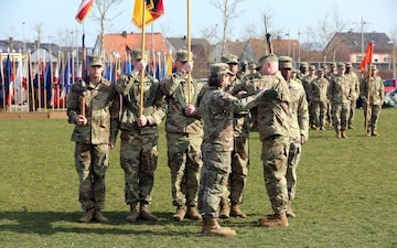 44th Expeditionary Signal Battalion cases colors, bids farewell to Grafenwoehr