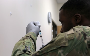 Fort Drum nurses, medics get hands-on during Nursing Skills Fair