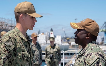 Bonhomme Richard Sailor Recognized for Heroic Action