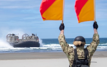 USS Anchorage Demonstrates Amphibious Beach Landing