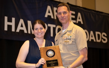 NAVSUP BSC Civilian Named Department of the Navy's 'Person of the Year' at IT Conference