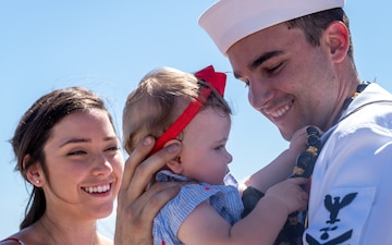 Pearl Harbor Welcomes USS Hawaii Home From Deployment