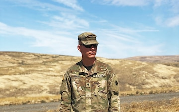 Illinois Guardsman extends Short line of service