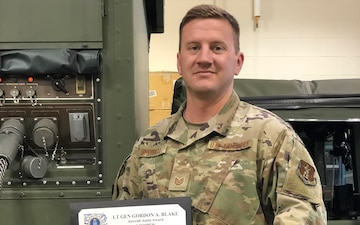 Missouri Airman receives aircraft assist award