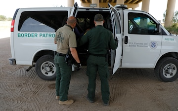 USBP agents rescue a migrant family in distress