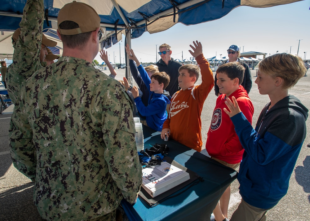 Submarine Force Atlantic Participates in STEM Demo
