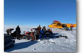Skiway teams make landing in the Arctic more accessible.