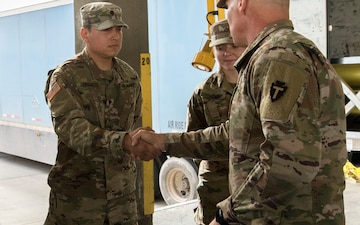 36th ID Deputy Commanding General of Operations visits TF Gunslingers