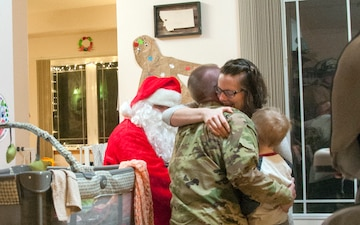 Santa delivers deployed Soldier home