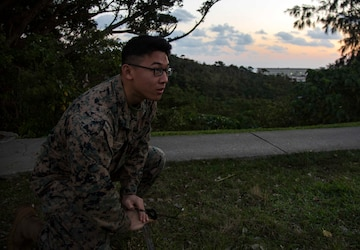 3d Marine Division conducts high-frequency, long distance communications training