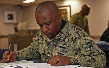 Blue Ridge/7th Fleet Sailors Take Advancement Exam