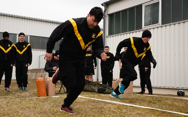 Army ACFT runners