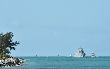 USS Detroit (LCS 7) pulls into NAS Key West