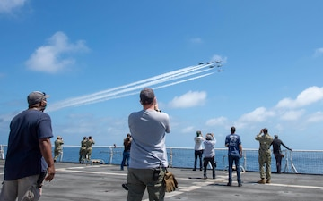 USNS Mercy Sailors Watch USAF Thunderbirds