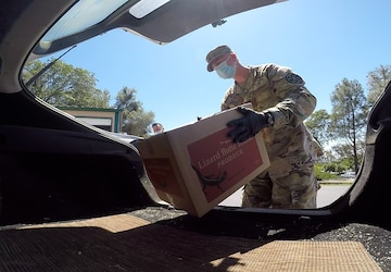Cal Guard supports Amador County food bank