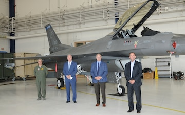 Air Force Civic Leader tours 148th Fighter Wing