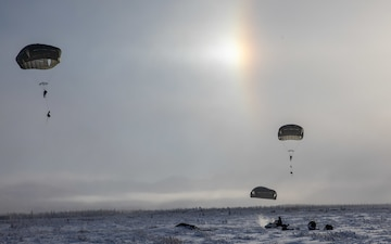 Spartan Paratroopers Kick Off Arctic Warrior 21