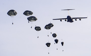 Spartan Paratroopers Conduct Airborne Operations