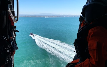 Coast Guard, Marine crews collaborate in joint training exercise in San Diego
